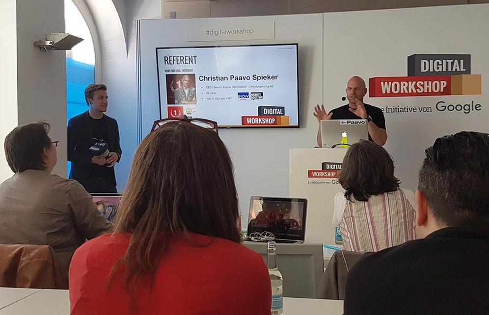 """Christian Paavo Spieker, Referent der Googles Initiative """"Weltweit wachsen"""" am 24. Juni 2016 in München"""